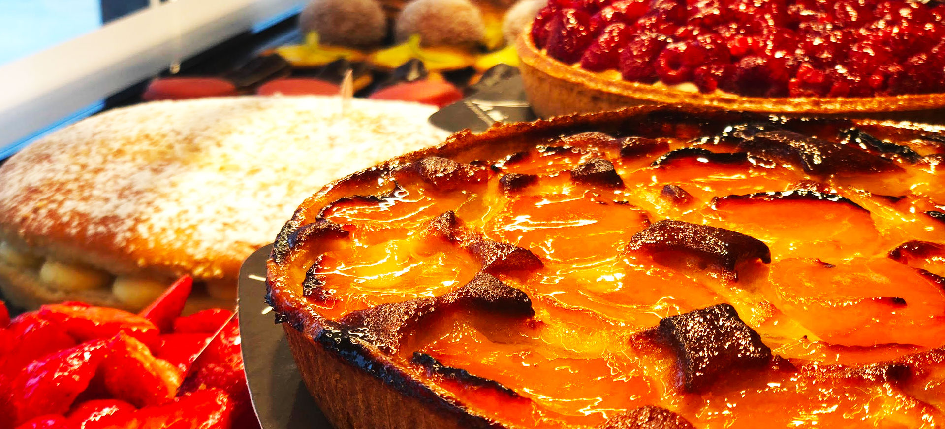 lamiedepain-tarte-abricot-fraise-framboise-lamiedepain--1920x871px